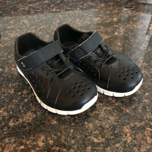 Surprize Stride Rite Toddler Boy 7 Water Shoe